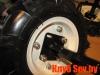 3. Болты вставляем с внешней стороны колесного диска